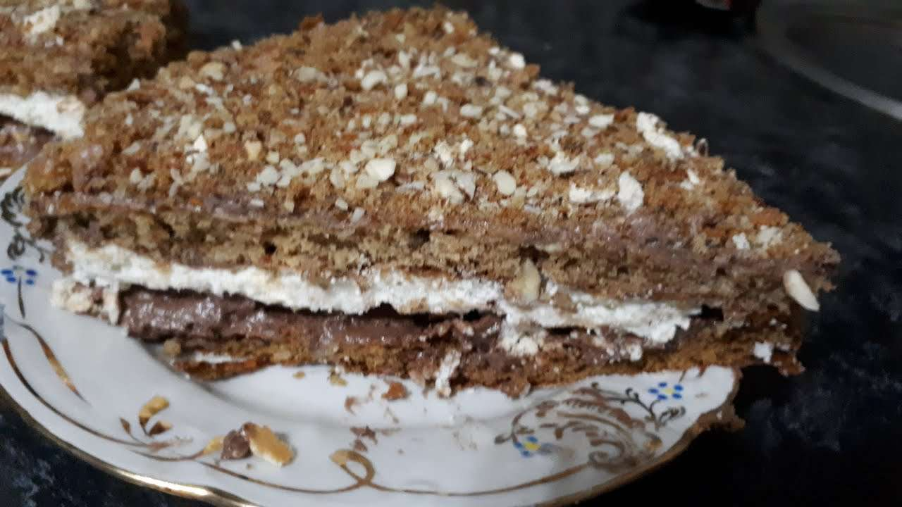 "Корица, орехи, безе, мед. Торт ""Экватор"". Cake cinnamon, nuts,  meringue, honey"